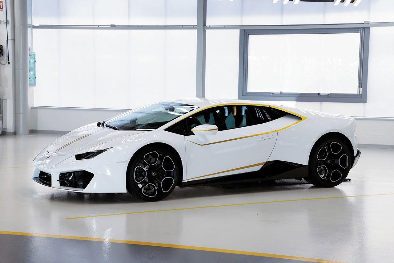 Påvens Lamborghini såldes för 715.000 euro