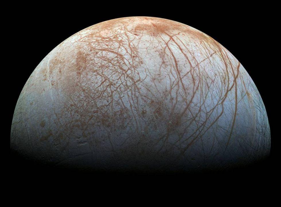 Jupiters måne Europa har gejsrar med vatten