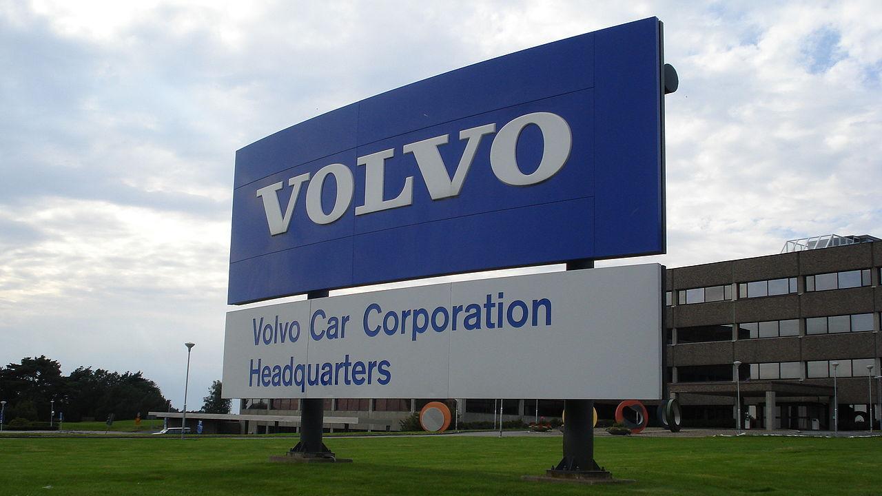 Svenskarna vill helst jobba på Volvo