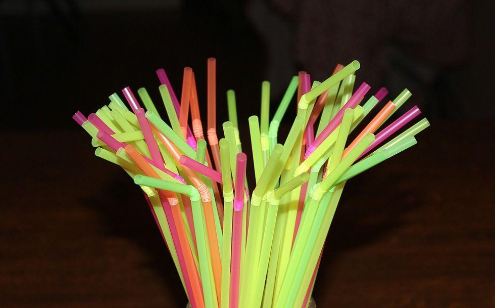 EU vill förbjuda vissa engångsprodukter av plast