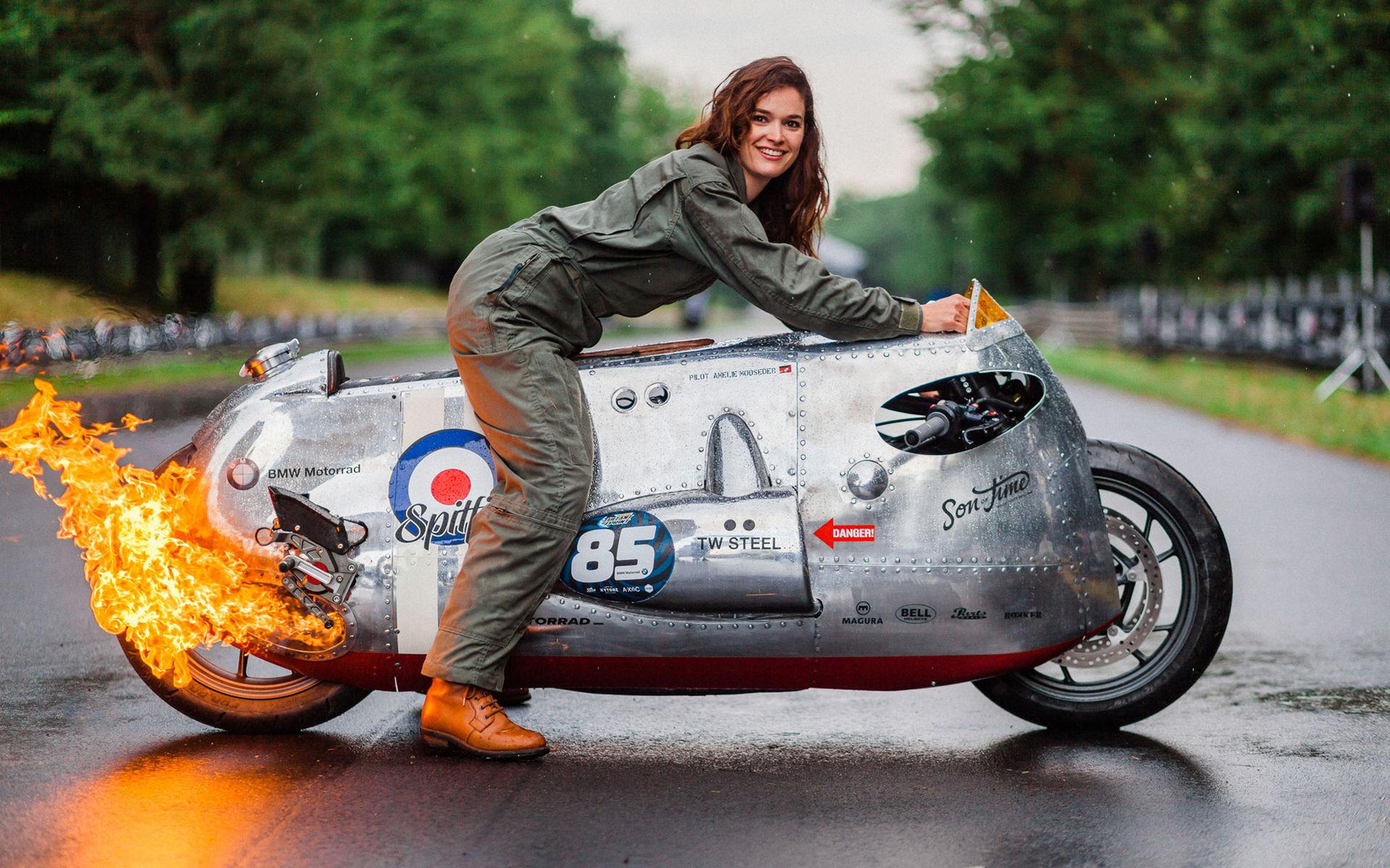 Custombåge inspirerad av Spitfire
