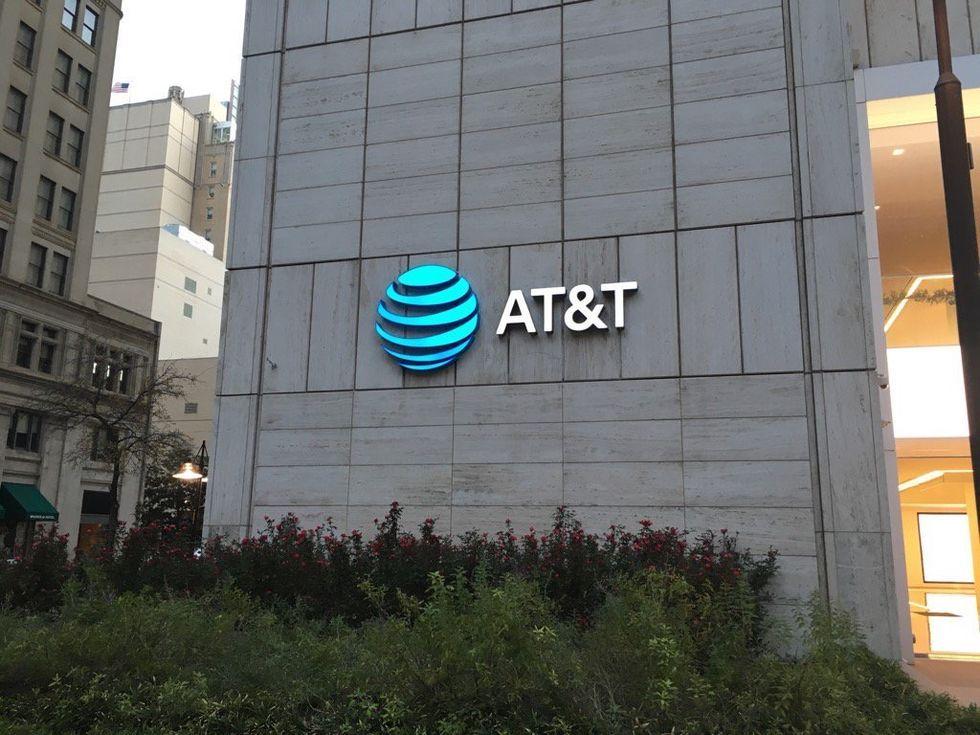 AT&T får köpa Time Warner