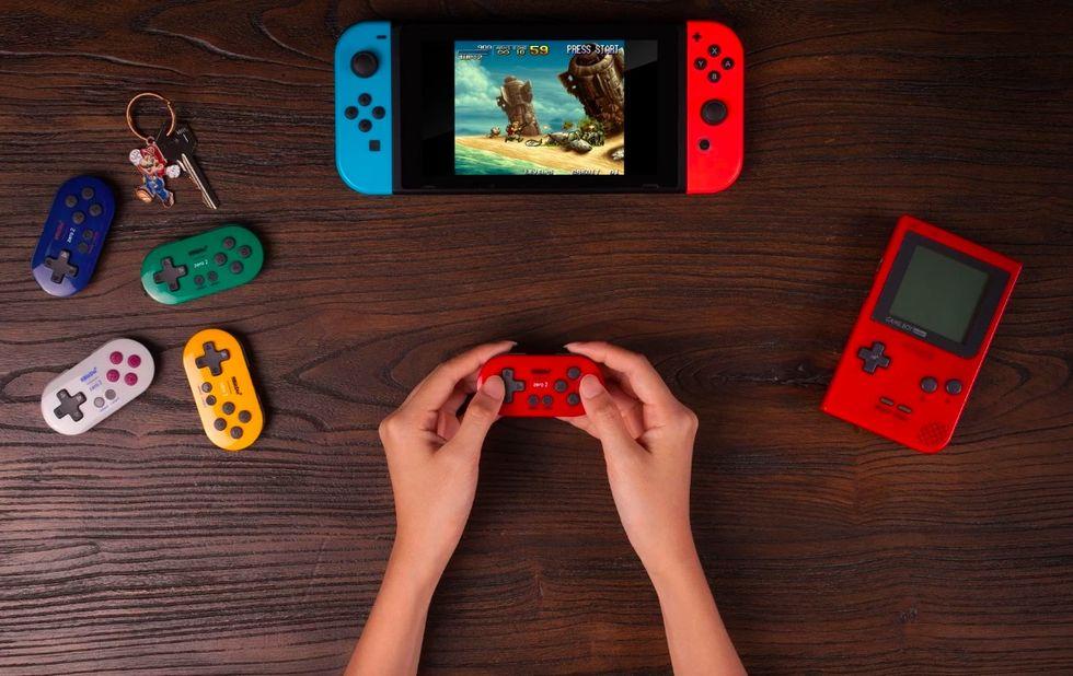 8bitdo släpper minimal handkontroll till Switch