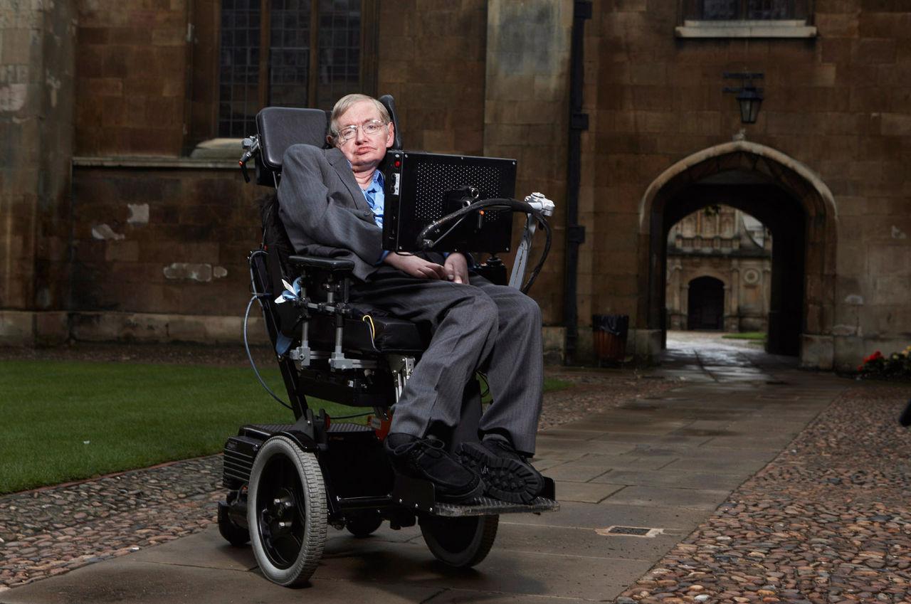 Tal av Stephen Hawking på väg mot ett svart hål