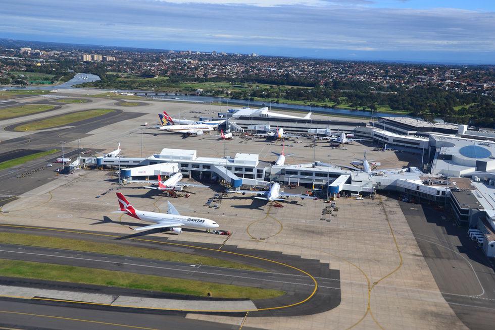 Australiensisk flygplats skippar passkontroller