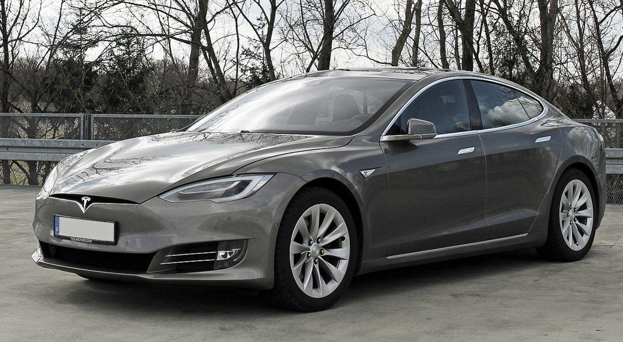 Teslas bilar blir mycket dyrare i Kina