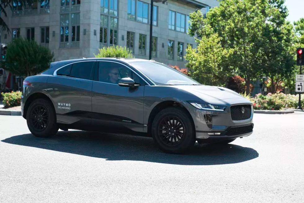 Waymos Jaguar i-Pace-bilar rullar nu i trafik