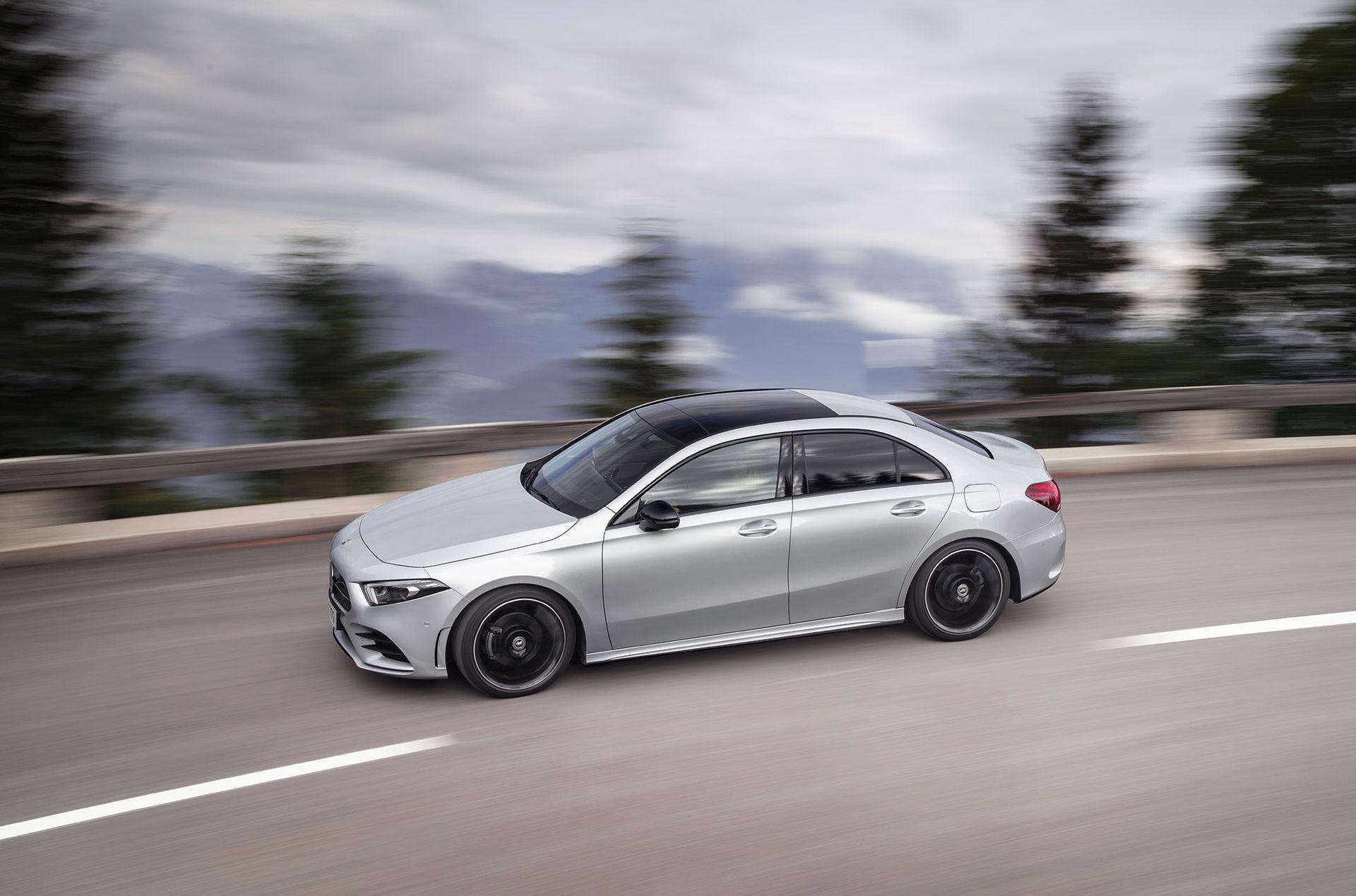 Mercedes släpper sedanversion av A-klass