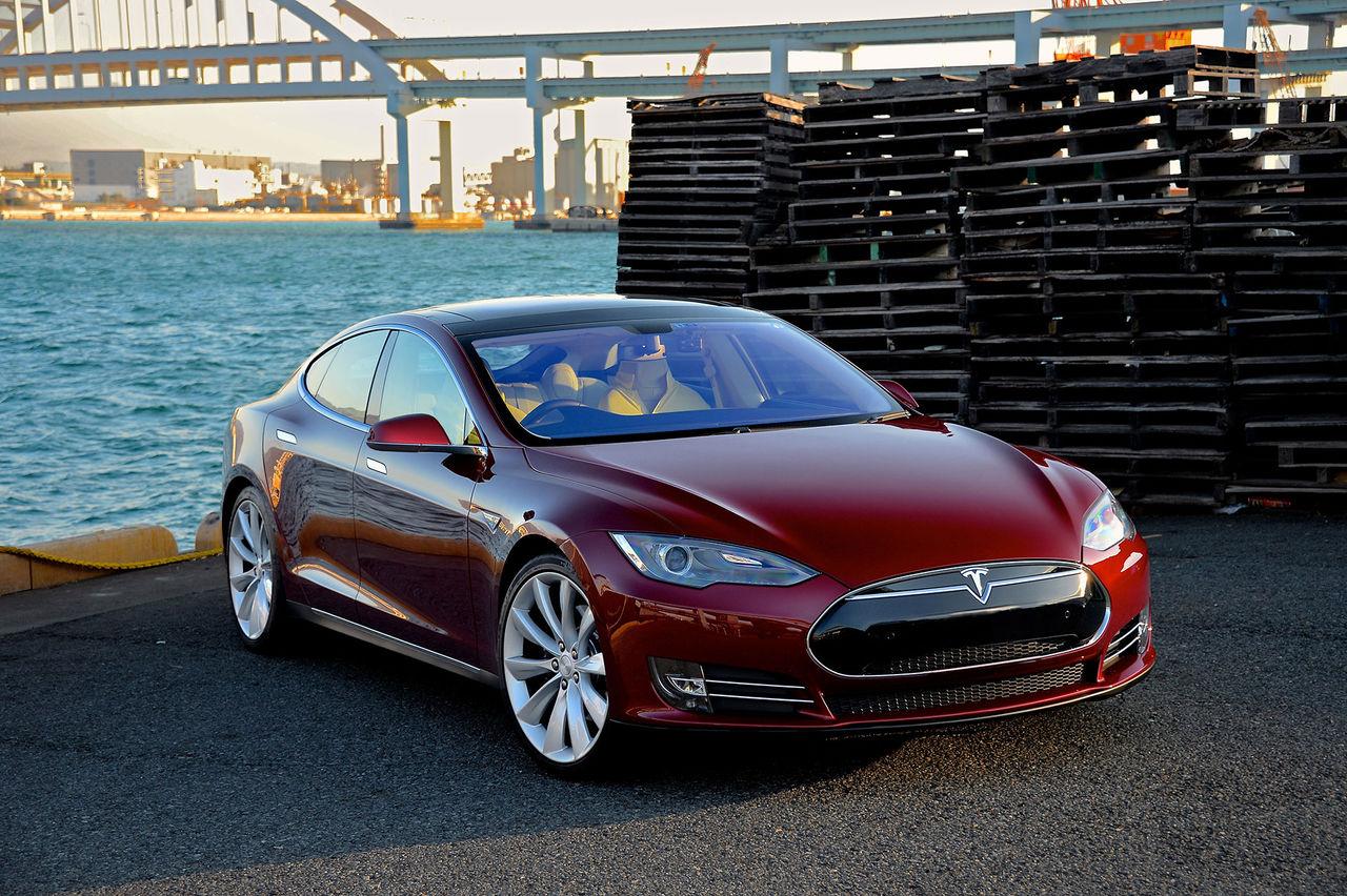 Är det nu bilvärlden ska bli rädda för Tesla på riktigt?