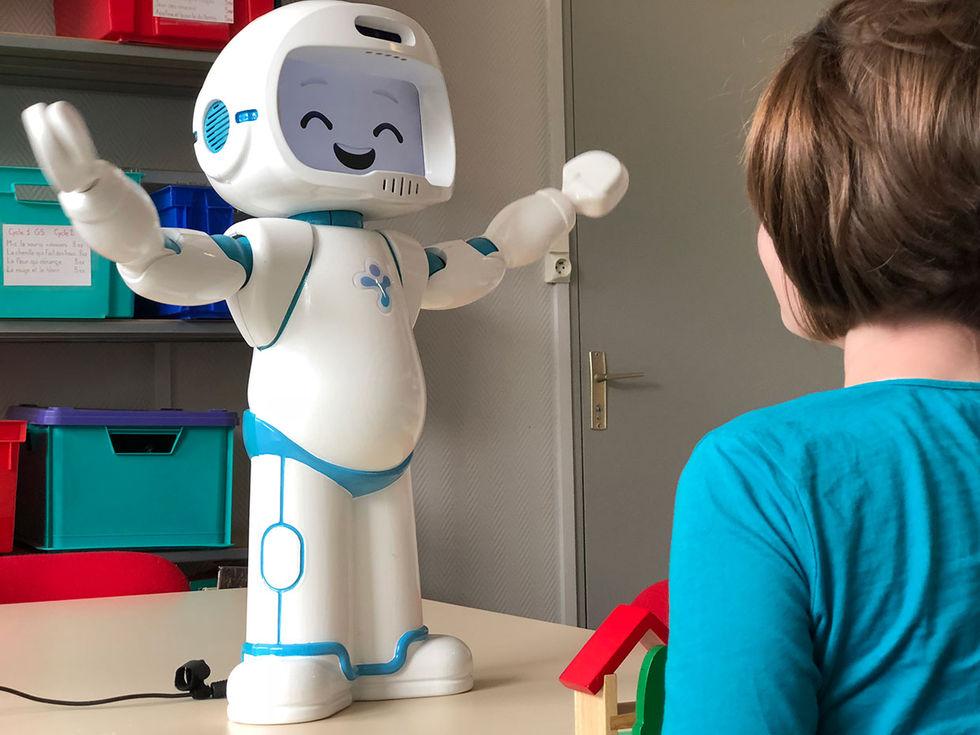QTrobot ska hjälpa autistiska barn att kommunicera