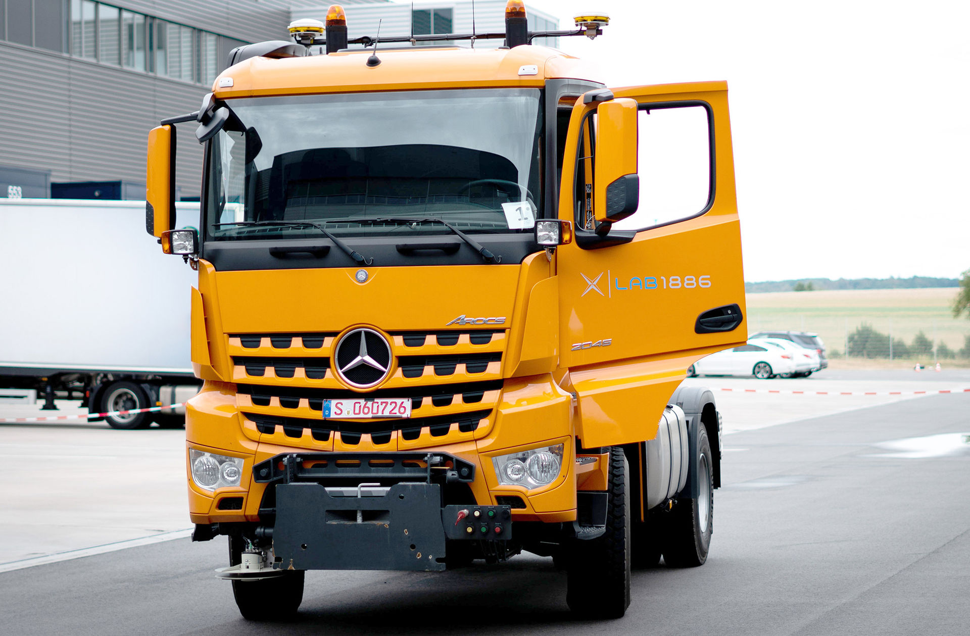 Mercedes visar självkörande lastbil på Elmia