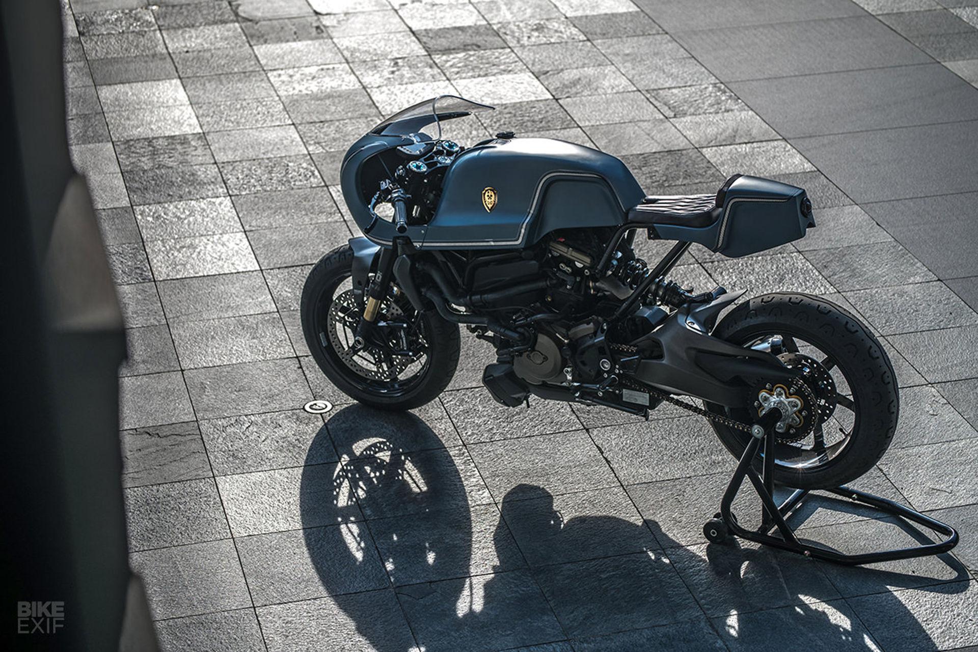 Hård caféracer baserad på Ducati Monster 1200 S