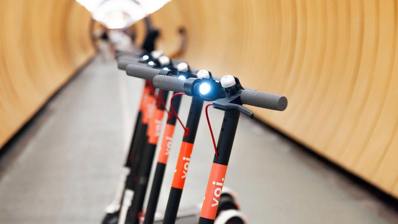 Nu kan du hyra elsparkcykel på gatan i Stockholm