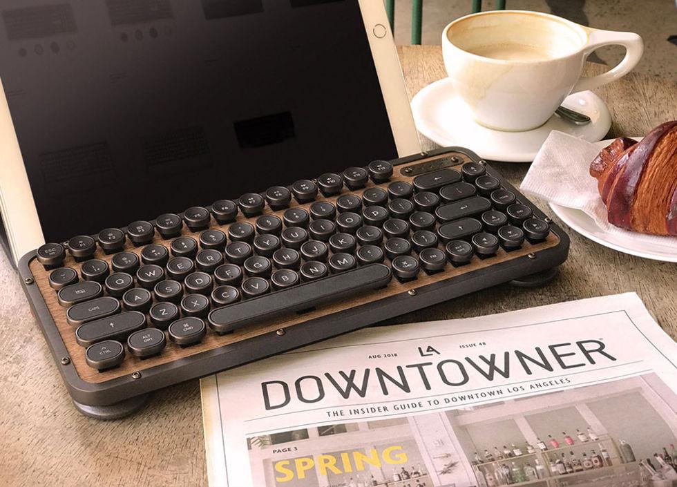 AZIO släpper kompakt retro-tangentbord