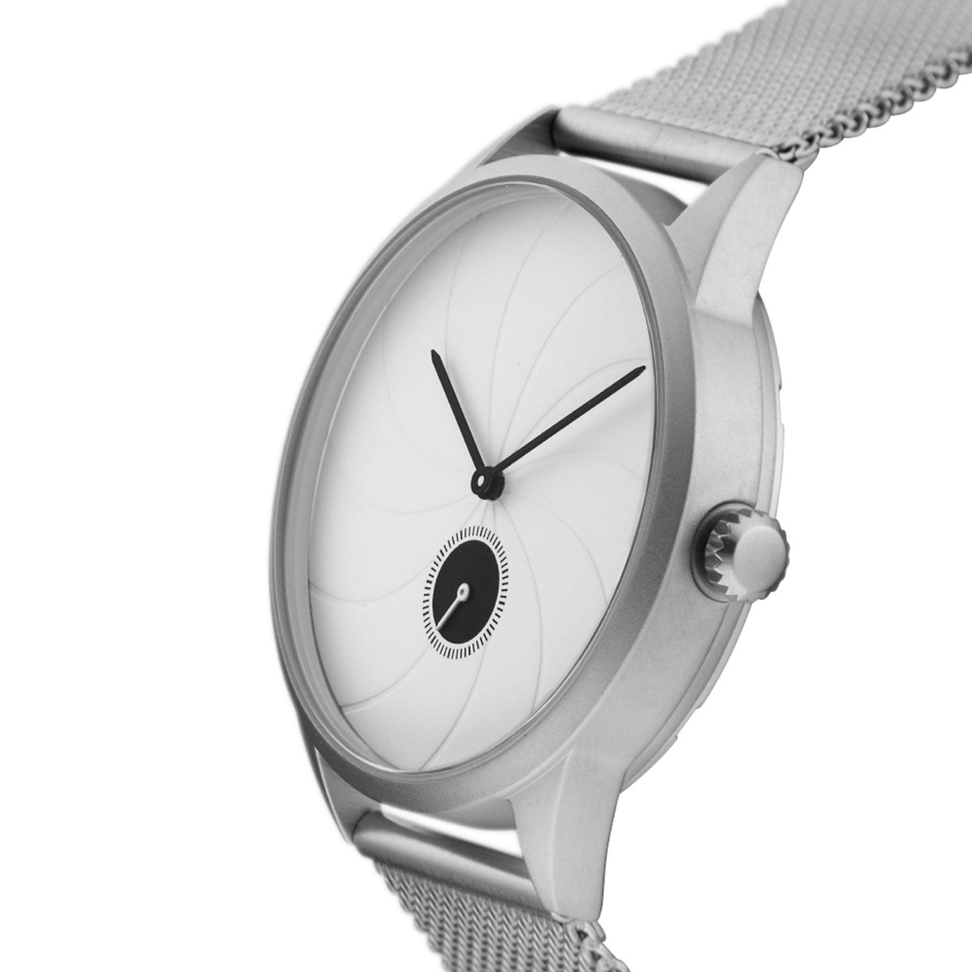 Ny klocka från svenska CHPO