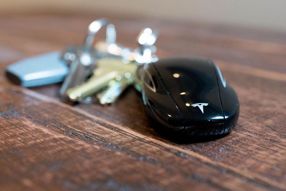 Tesla Model S trådlösa nyckelsystem går att hacka