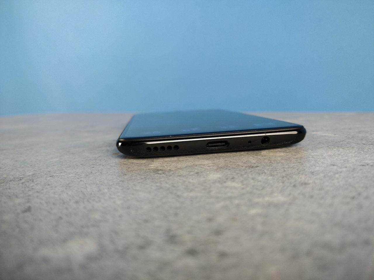 OnePlus 6T skippar hörlursuttaget