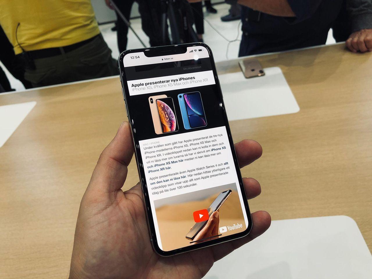 Dyrt att byta skärm på iPhone XS Max