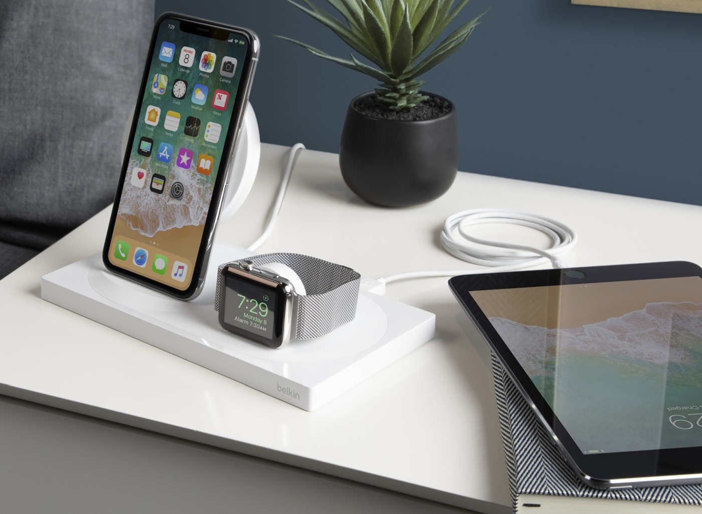 Ladda iPhone och Apple Watch med Belkins nya laddplatta