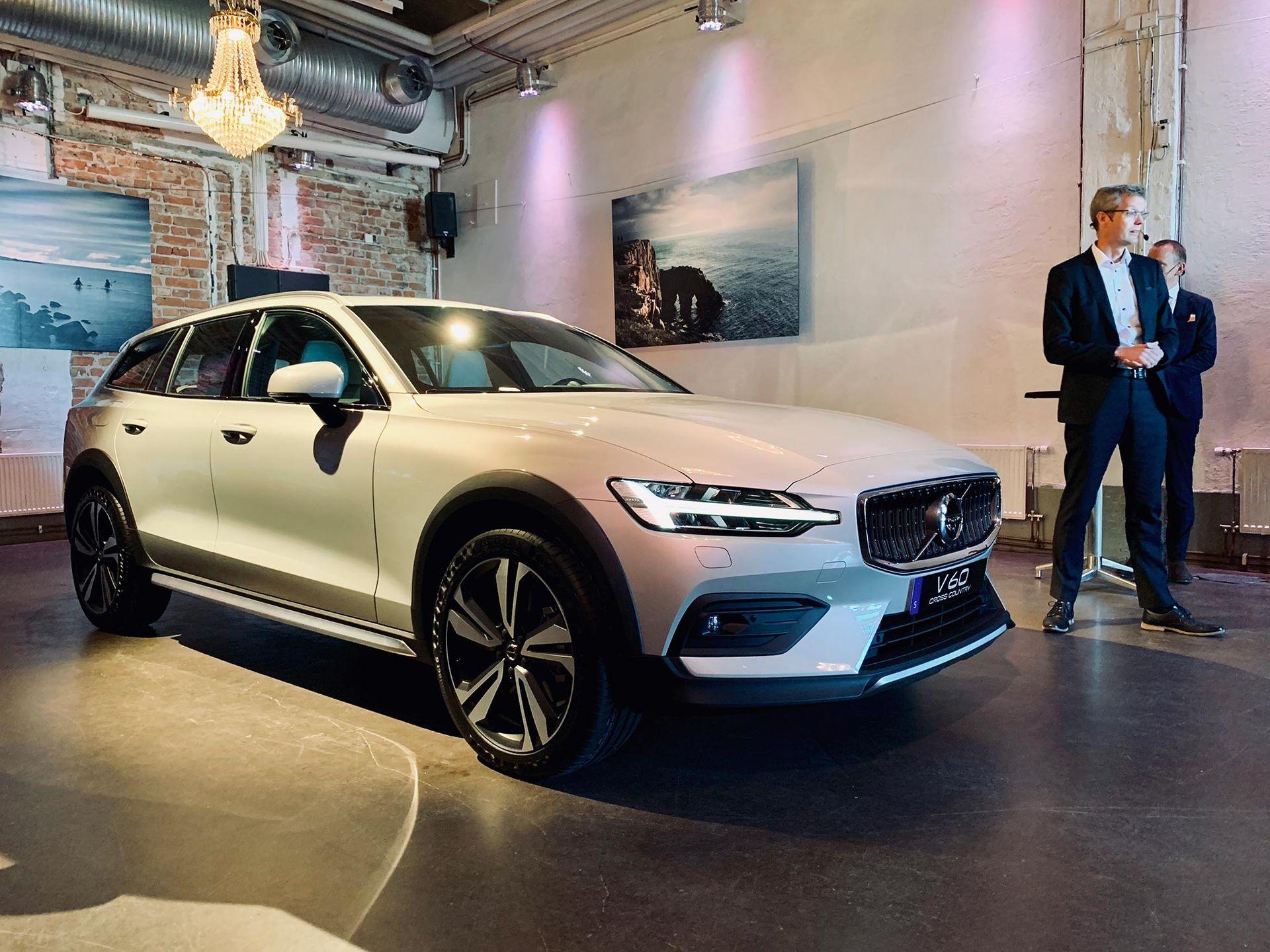 Vi har kollat in nya Volvo V60 CC