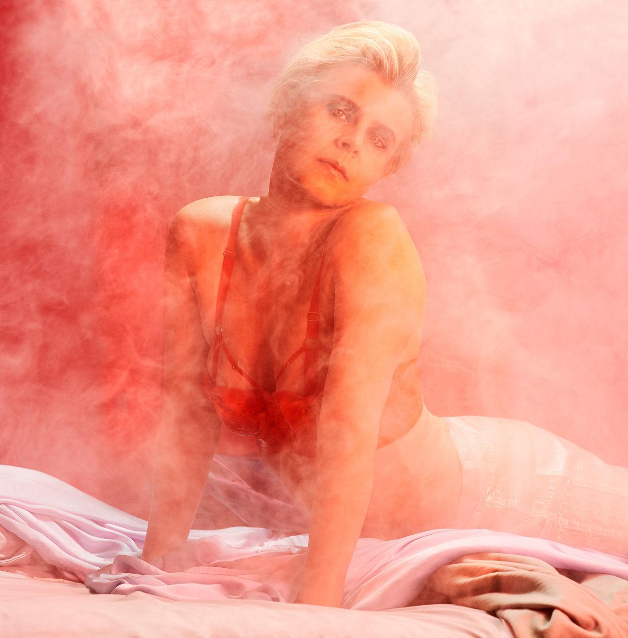 Lyssna på Robyns nya singel Honey