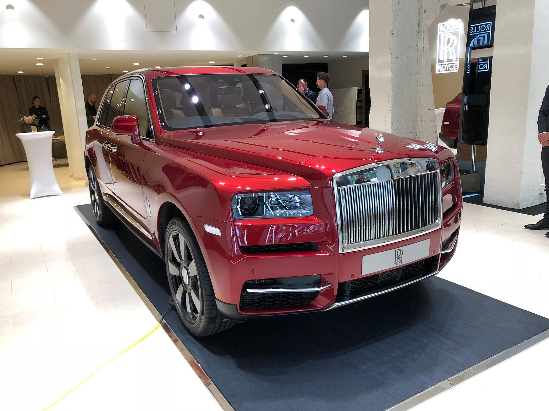 Rolls-Royce Cullinan på svensk mark