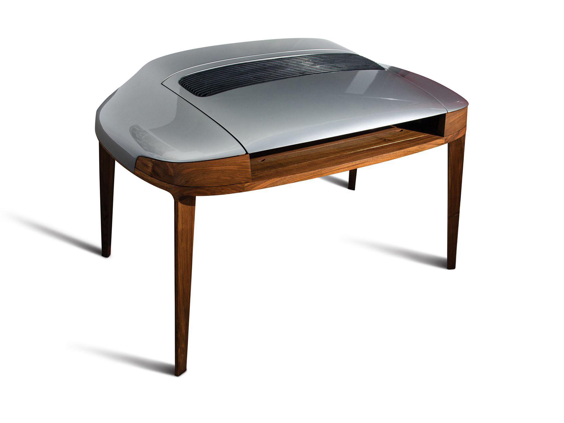 En Porsche-rumpa som skrivbord