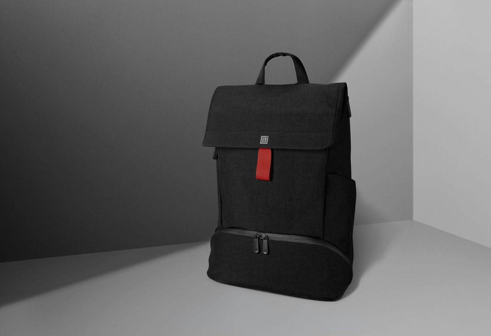 OnePlus visar upp ryggsäck. Kommer när de visar upp OnePlus 6T ... 08e96a6869162