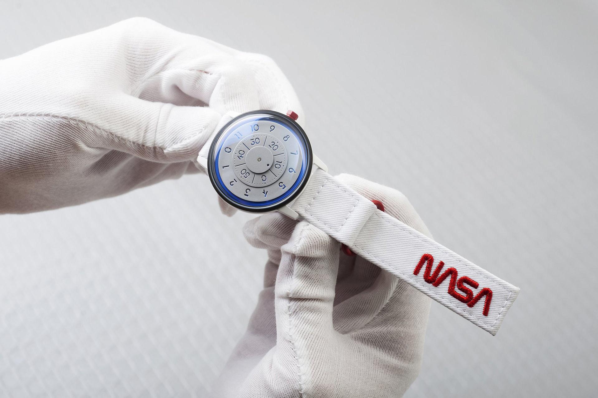 NASA-klockan sålde slut på en minut