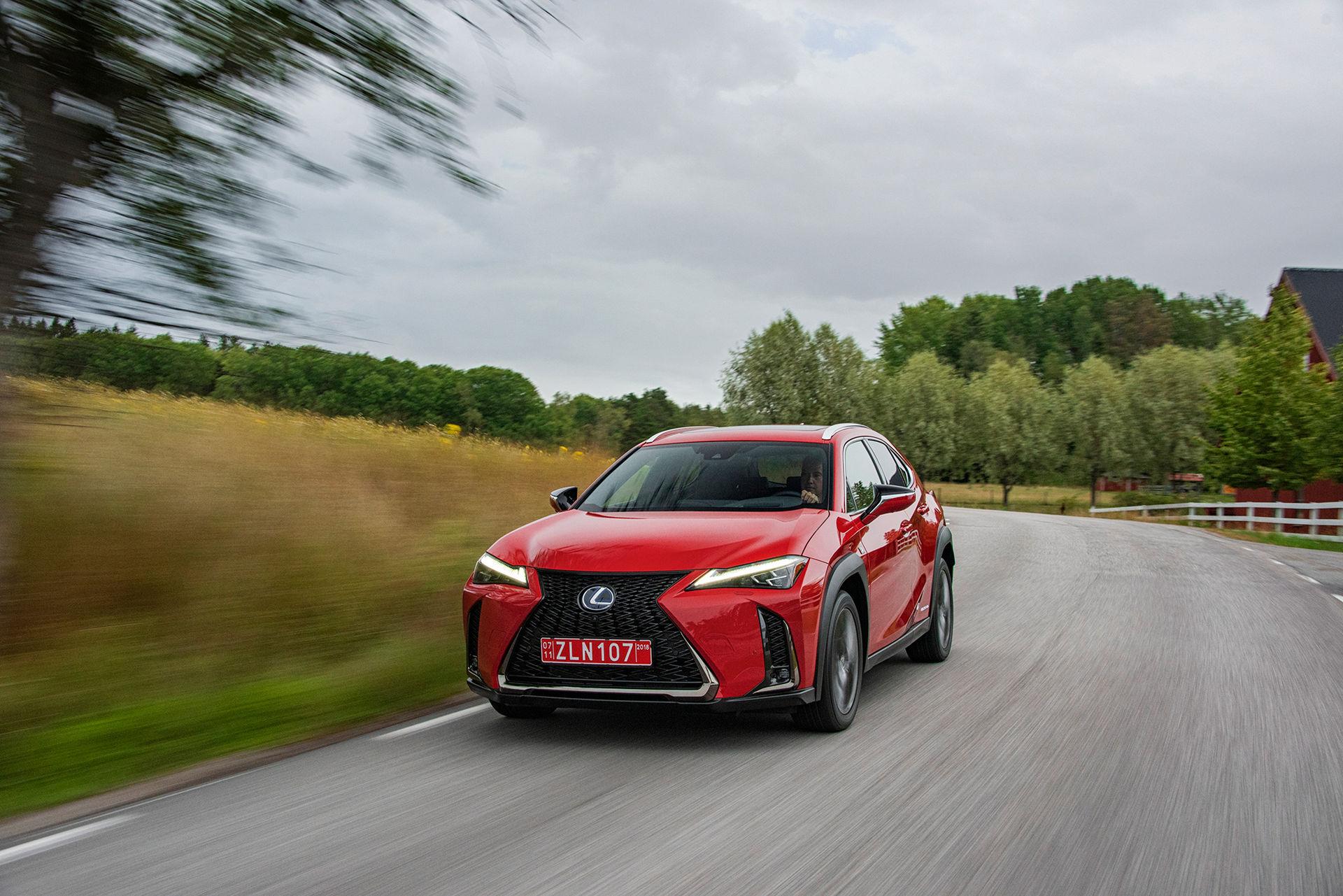 Lexus UX blir din för 339.900 kronor