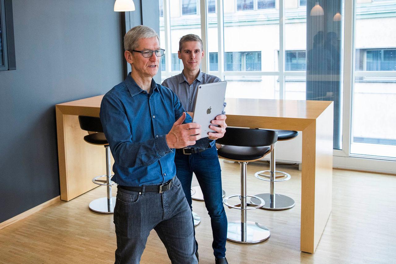 Tim Cook vill att Bloomberg drar tillbaka rapport om Apples chip