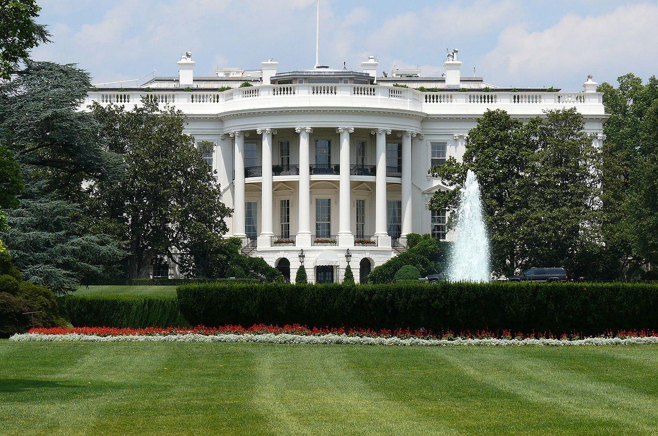 USA ryktas vilja låna personal från Apple, Google och Amazon