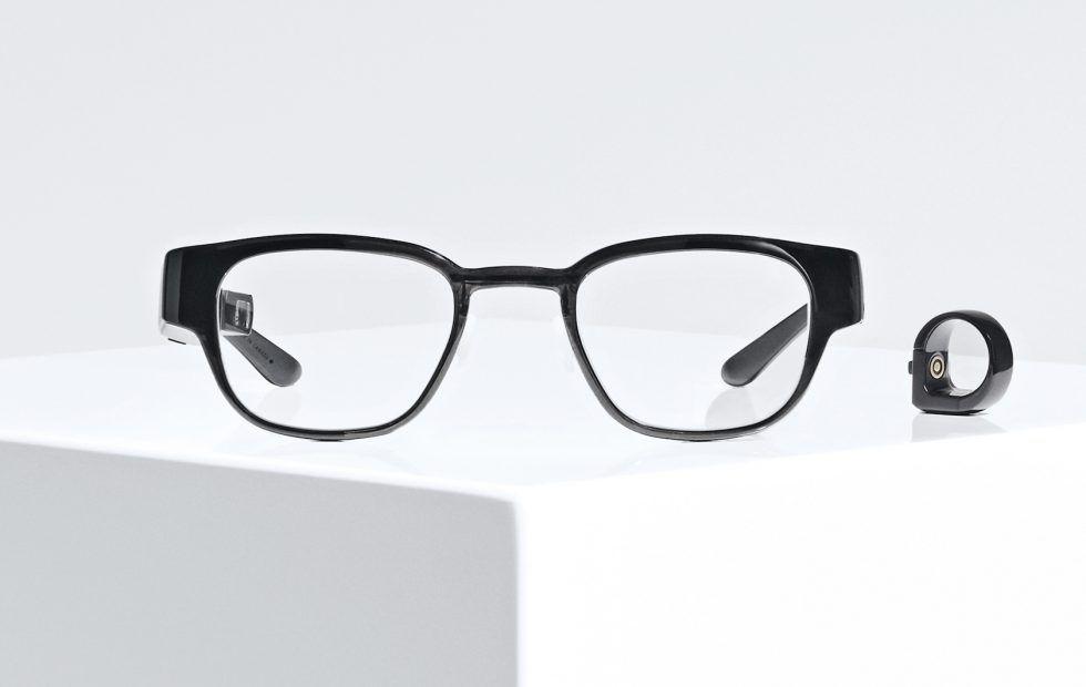 Focals är ett par smarta glasögon