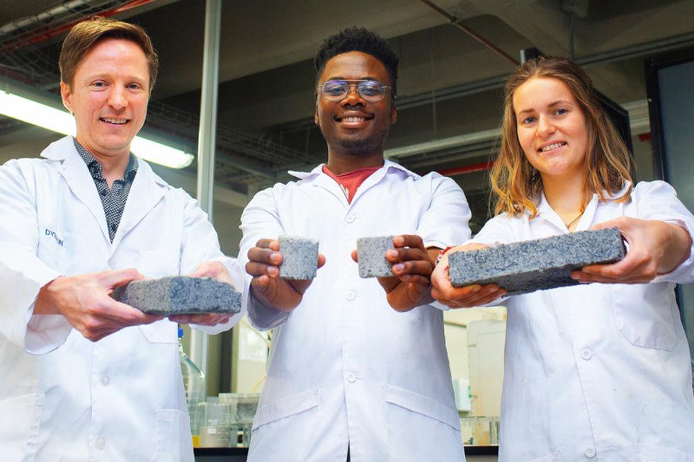 Forskare gör tegelstenar av urin