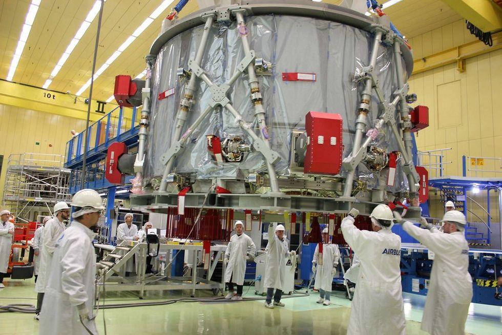 Airbus har levererat första motorn till rymdkapseln Orion