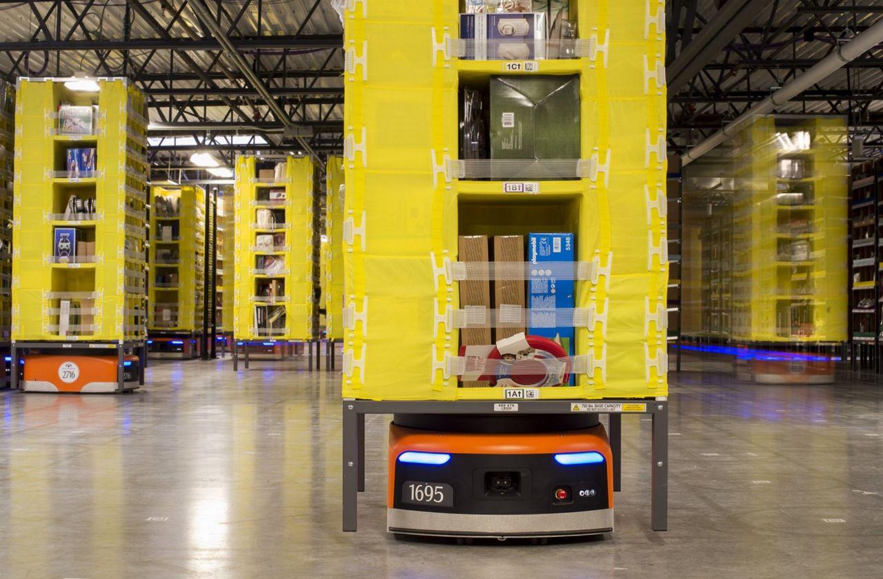 Amazons anställningar inför julruschen minskar