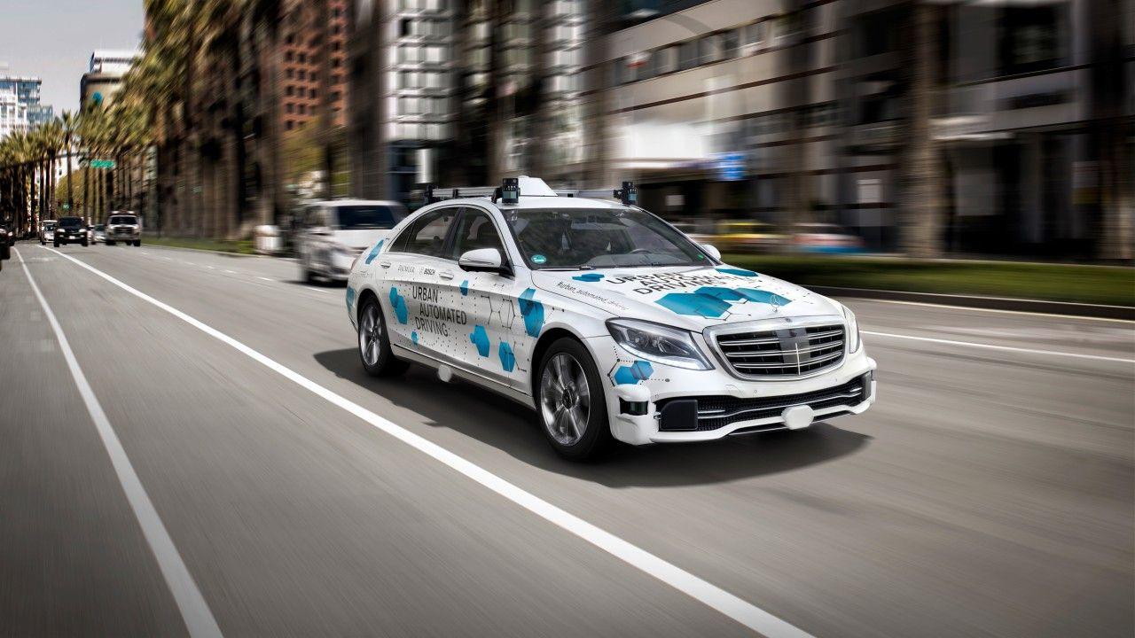 Bosch och Daimler börjar testa taxitjänst med självkörande bilar