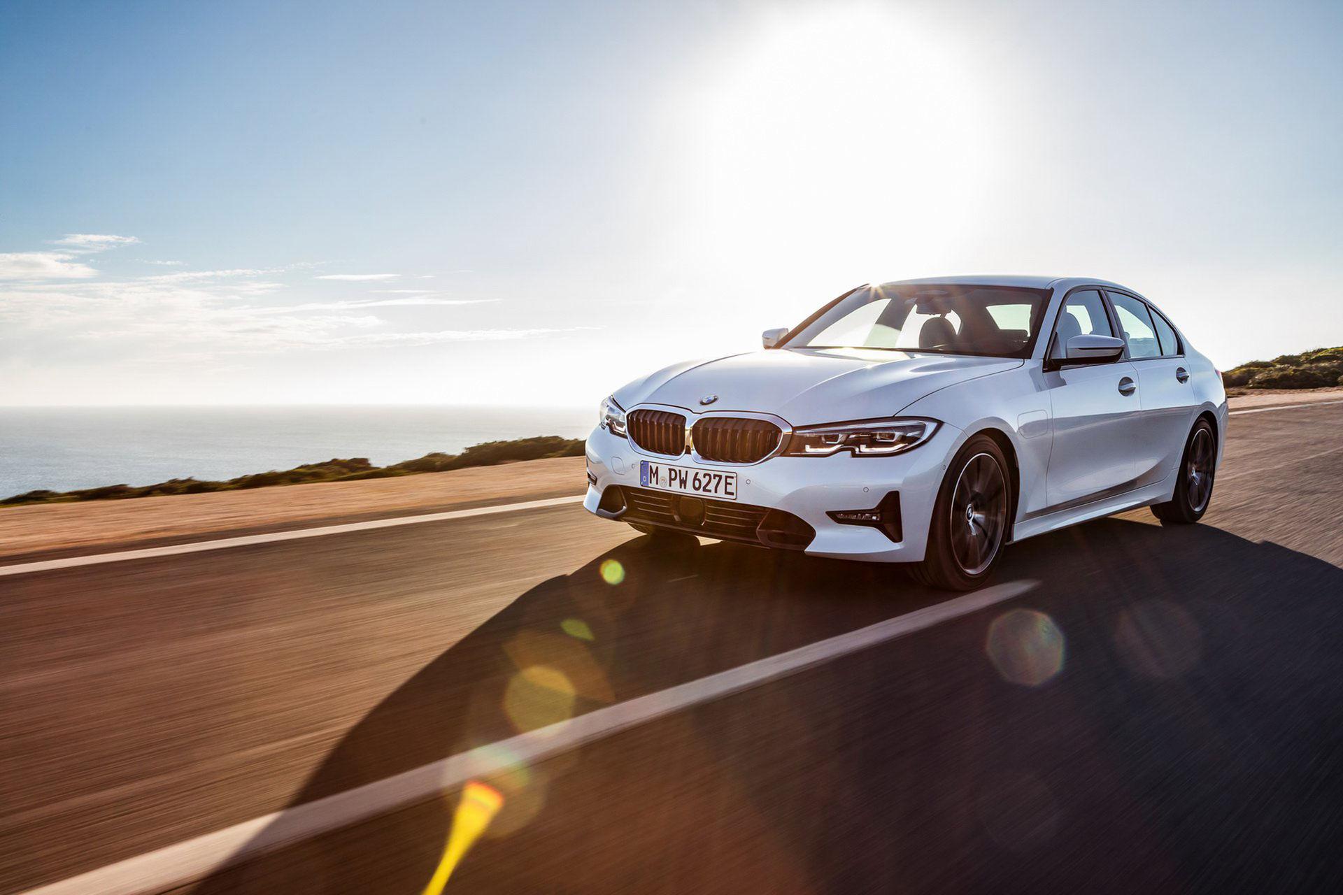 BMW rullar ut nya 330e