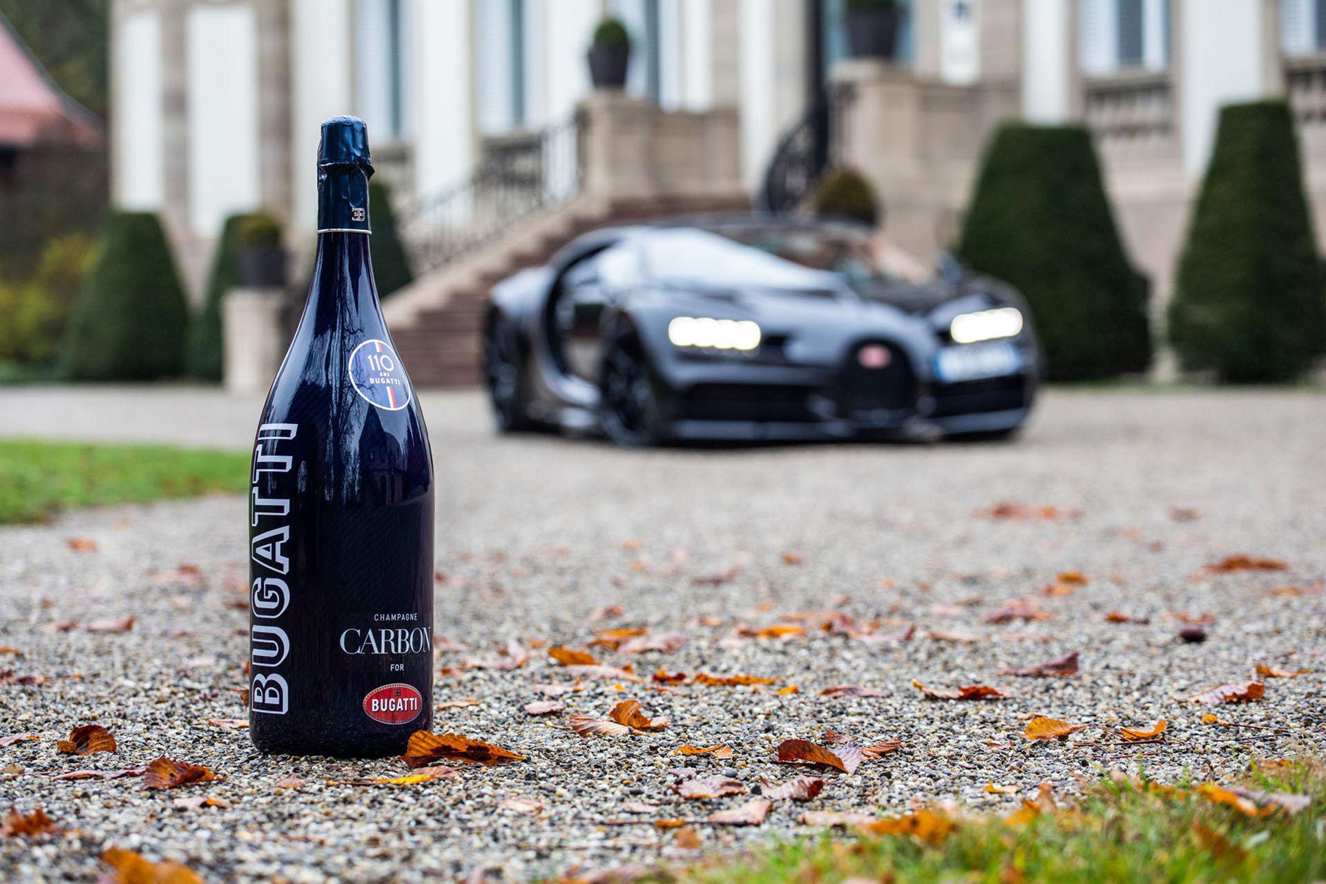 Bubbel i kolfiberflaska som matchar din Bugatti