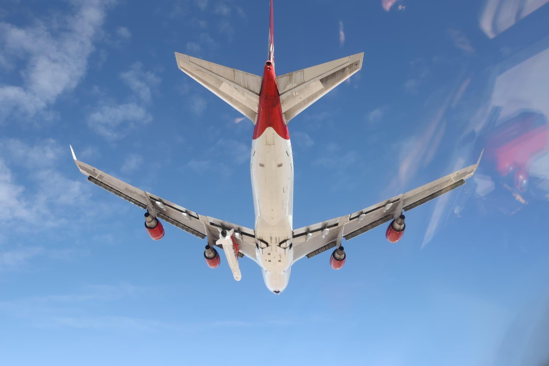 Virgin Orbit testflyger flygplan med tillhörande raket