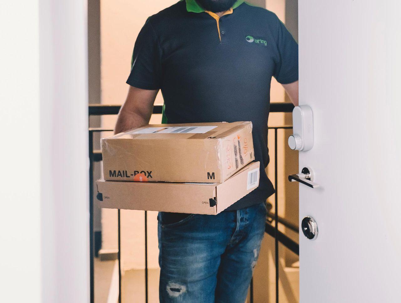 Få paketen levererade innanför dörren med smarta låset Glue