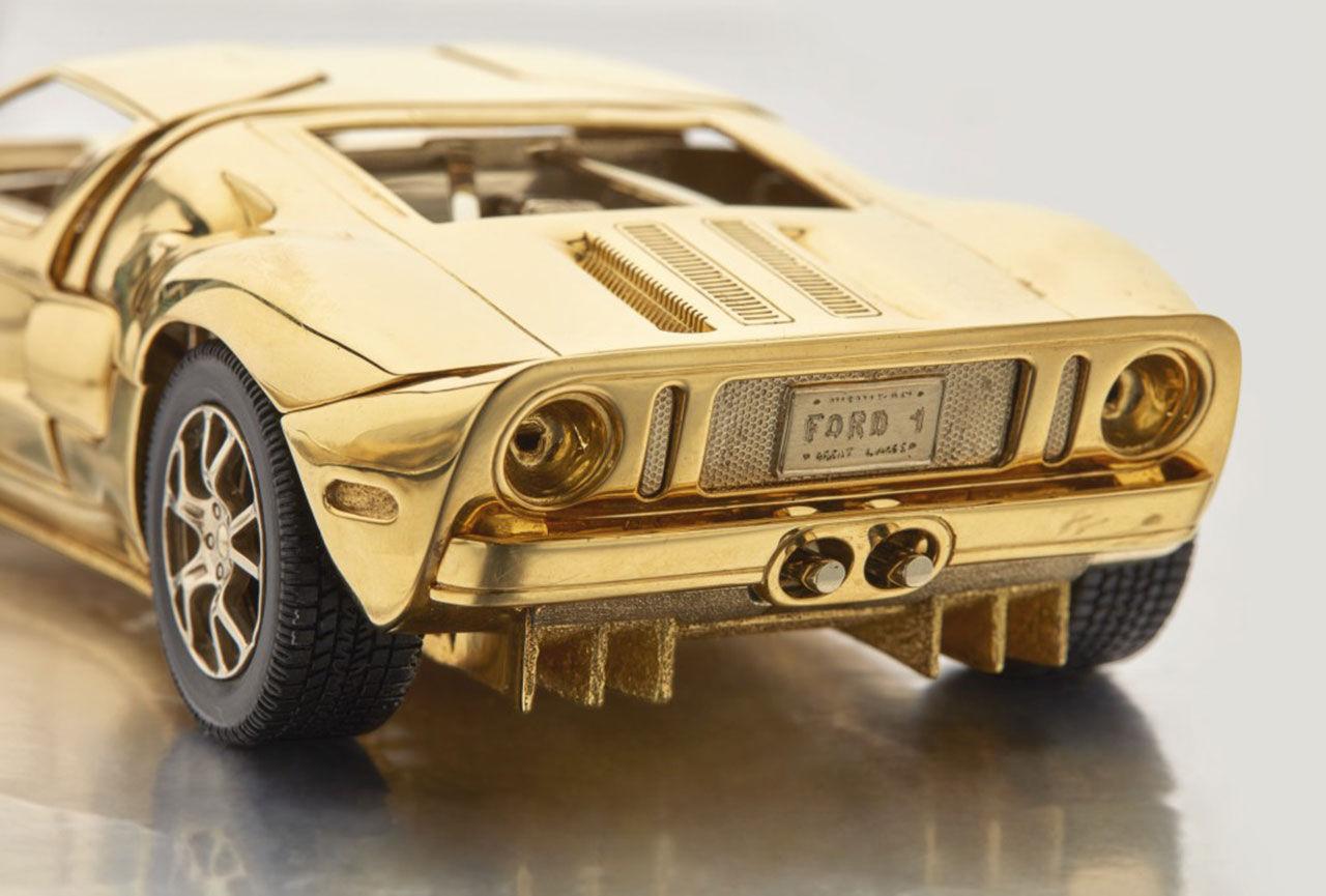 Modell av Ford GT gick för 75.000 dollar