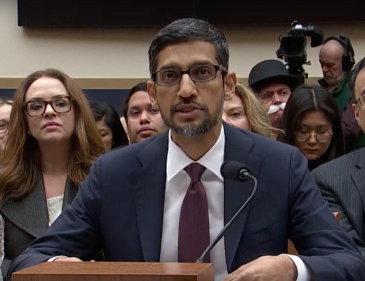 Googles vd Sundar Pichai utfrågad av USA:s kongress idag