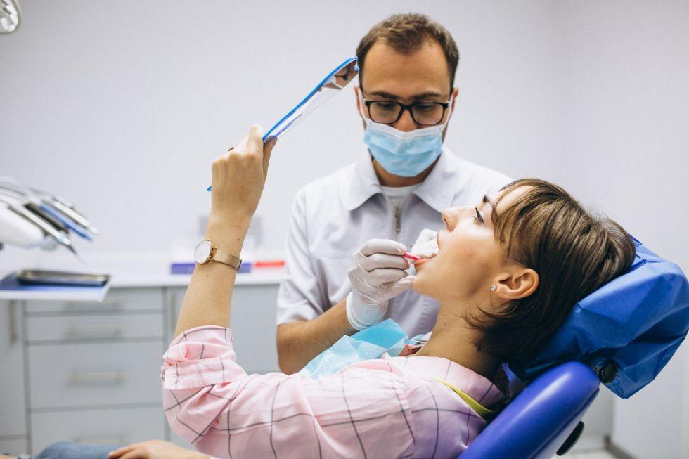 Forskare på KTH tar fram ny härdplast till tandfyllningar