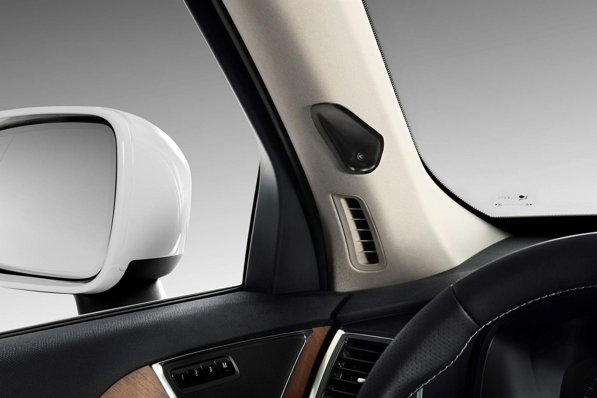 Volvo tror på fler kameror i bilen