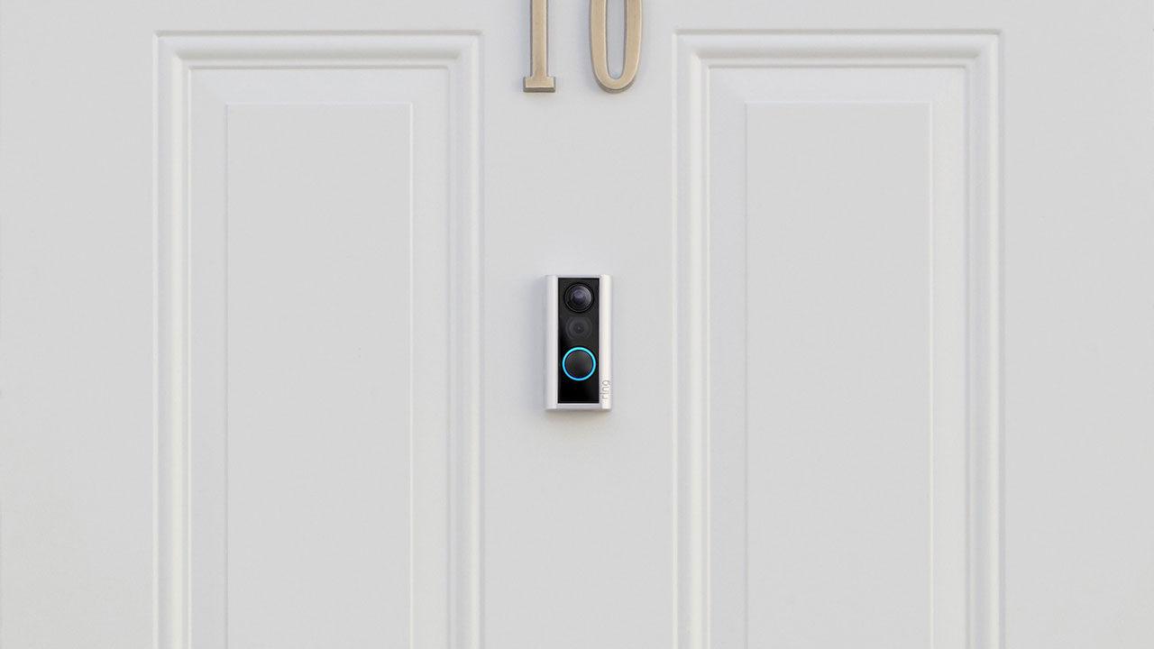 Ny videodörrklocka från Ring monteras i dörrögat