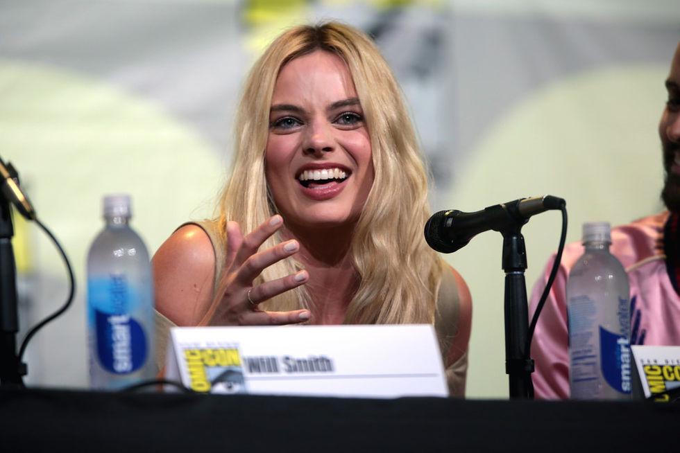Margot Robbie ska spela Barbie i kommande film