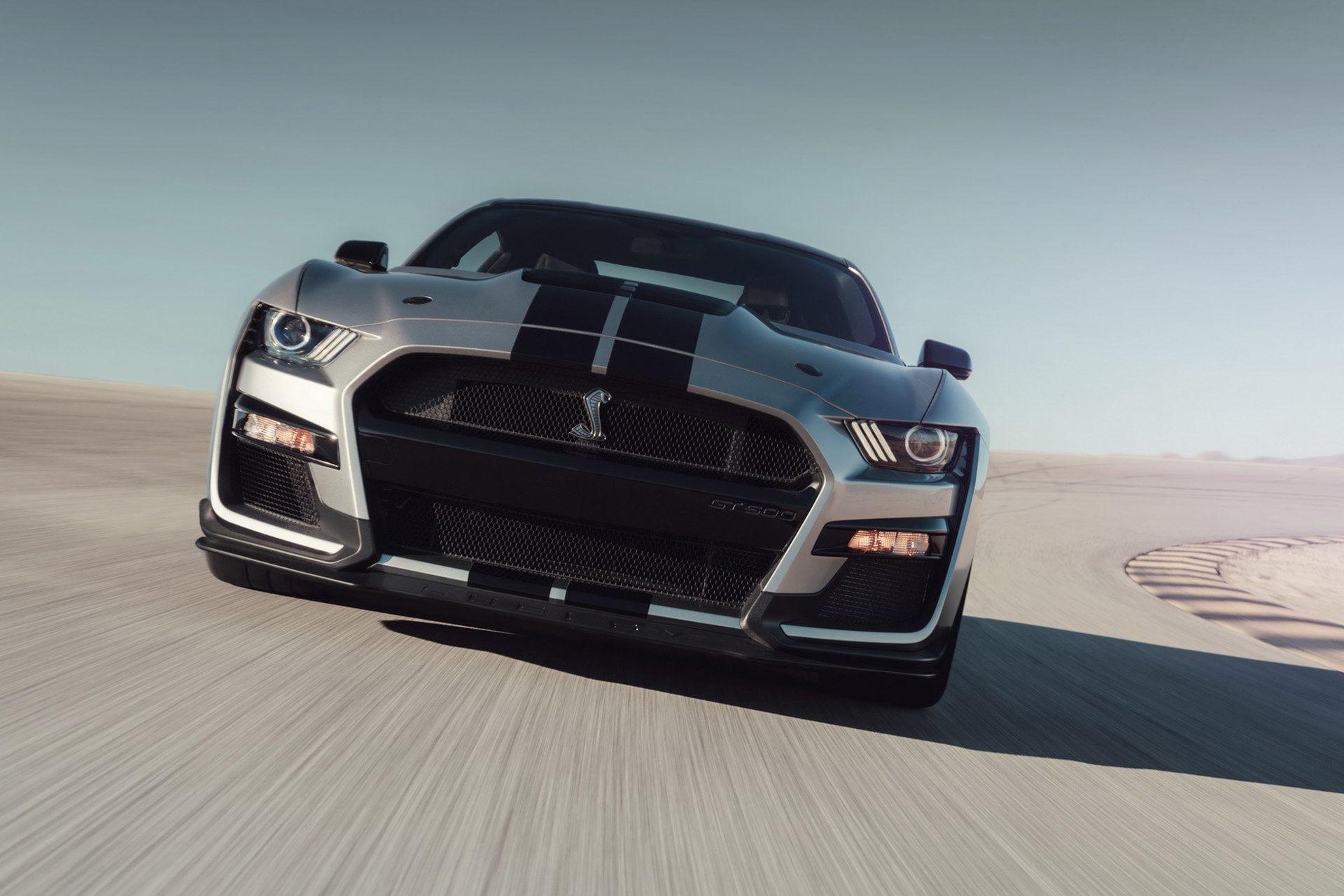 Mustangen med jättemunnen nu presenterad