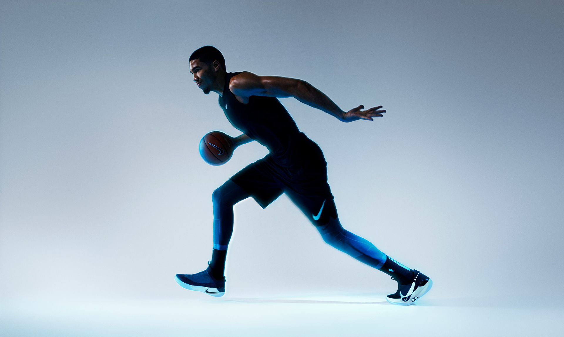 Nike presenterar självknytande basketskor