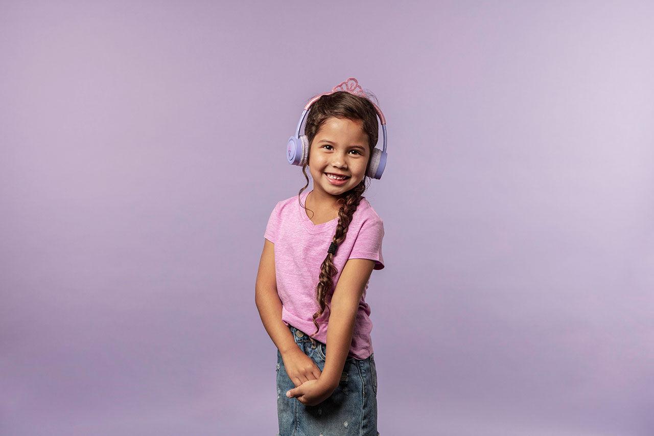 Trådlösa hörlurar speciellt framtagna för barn. Har volymbegränsning ... 8f18ab303813c